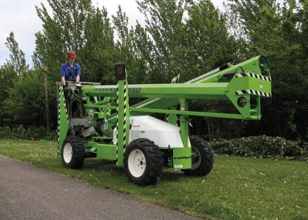 Niftylift SD170 nacelle articulée sur stabilisateurs avec roues